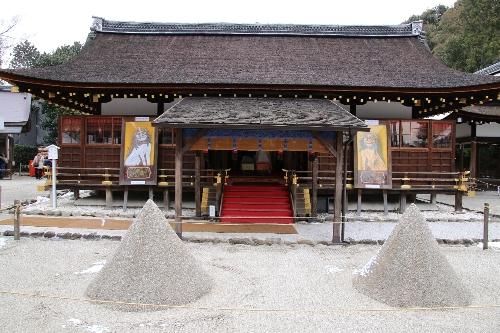 上賀茂神社を特徴づける立砂