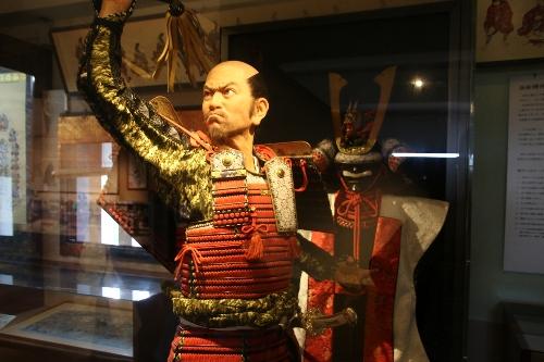 徳川家康公400年記念事業として制作された30歳前後の等身大家康像