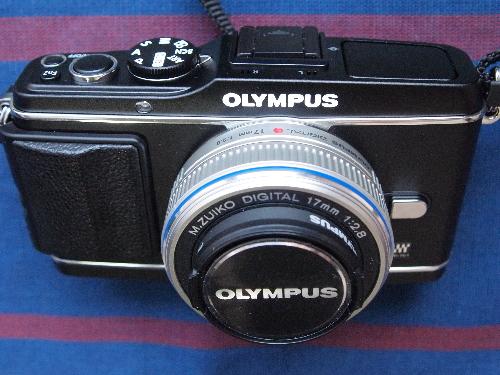 297643ff5d679d 昨年秋から今年春にかけて、キヤノン、ニコン、ソニーの主要3社から、35mmフルサイズのデジタル一眼カメラが出揃った。キヤノンはEOS  R(又はRP)、ソニー ...