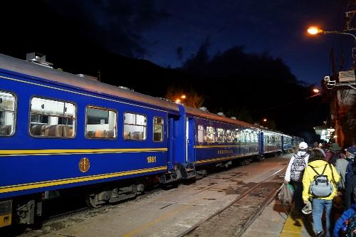 ペルー鉄道のマチュピチュ線の列車