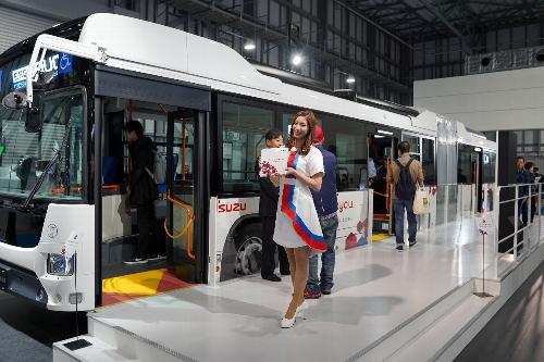 普通の路線バスを2台連結したバス