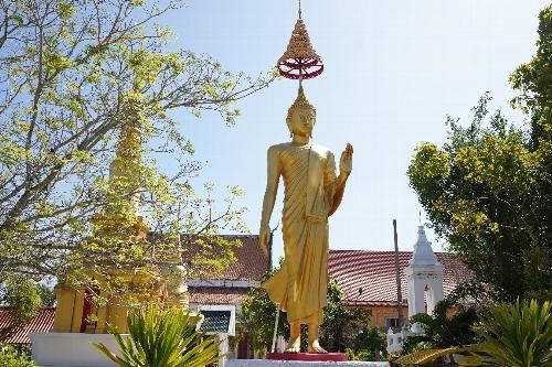 涅槃仏のワット・リム・ポー