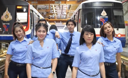 バンコク高架鉄道(BTS)の新型コロナウイルス・ダンス