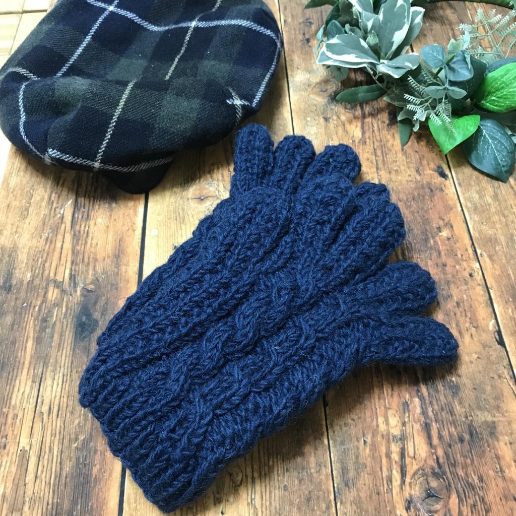 ニット手袋ネイビー編み目アップ