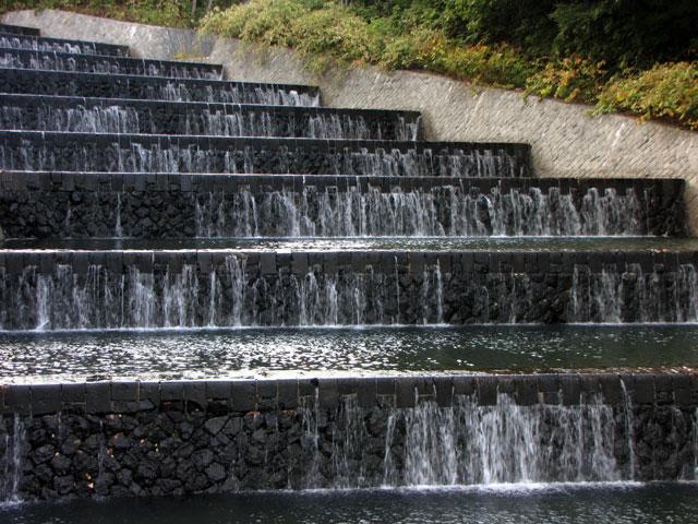 小樽奥沢水源地「階段式溢流路」