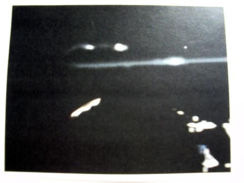 アポロ11号は月面で巨大な宇宙母船と遭遇していた