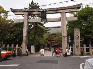 八坂神社入り口