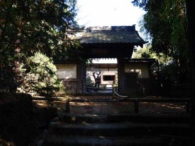 建長寺正統院門前