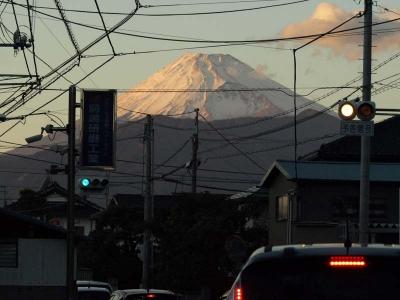 沼津市内の渋滞と富士山
