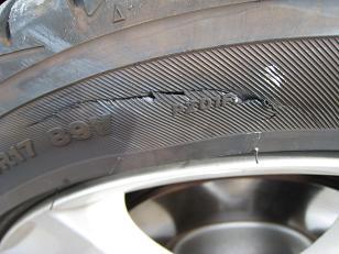 タイヤのキズ1