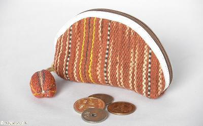 カレン手織り布のコインケース(茶)