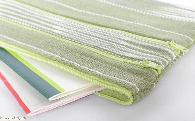 カレン手織り布3ファスナーポーチ(黄緑)