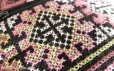 ミェン族のクロスステッチ刺繍_織り人