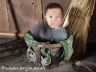 モン族のえじこ(嬰児籠) | 織り...