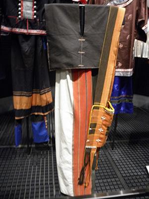 ワ族の民族衣装