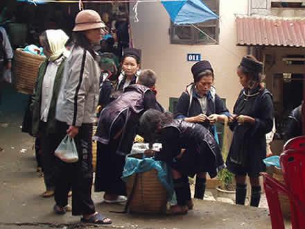 黒モン族の市場