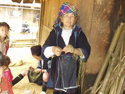 黒モン族の麻糸