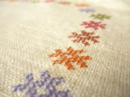 ミェン刺繍の麻布ランチョンマット