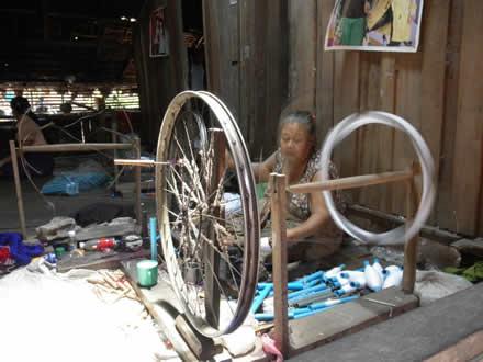 タイ国境カレン族の村にて