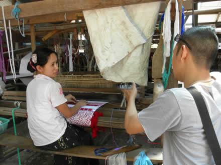 タイ国境カレンの村でインタビュー