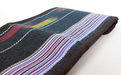 カレン手織り布の三つ折り財布