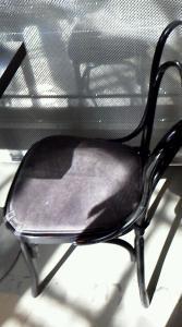 ノーベル賞受賞者のサイン椅子