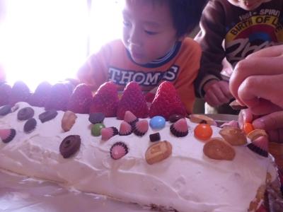 誕生ケーキ02.jpg