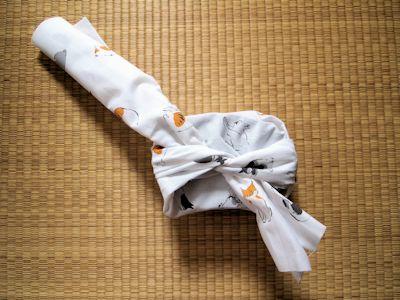 芸艸堂オリジナル手拭い お弁当箱包み