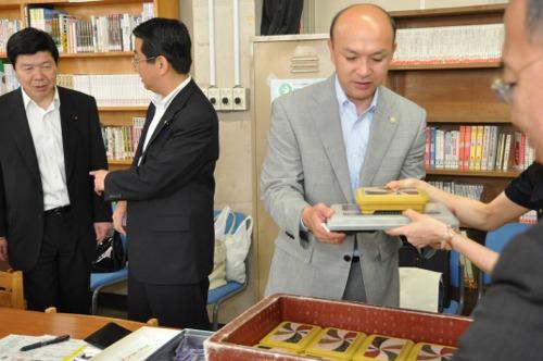 スクールランチを試行/横浜市議団 実施校の現状を視察