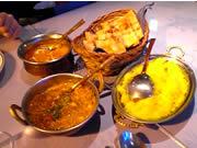 Taz Mahal バターチキン 野菜 ガーリックナン サフランライス