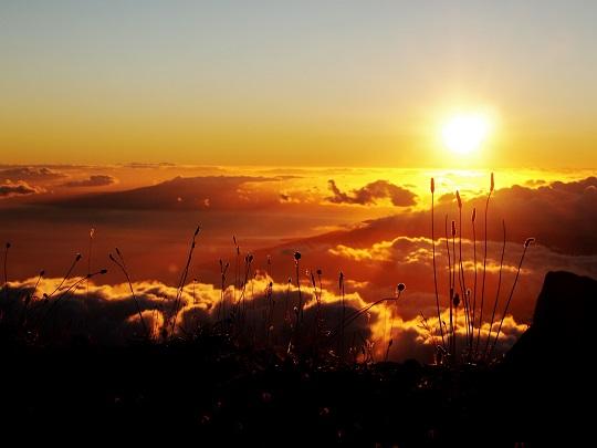雲の上の夕日1