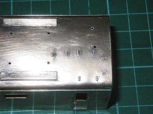 クモヤ145-100代、前位側、配管座穴開け