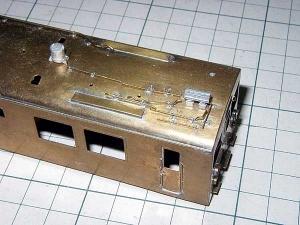クモヤ145-100代、屋上配管加工、途中経過