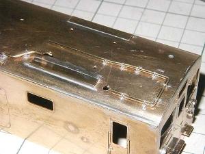 クモヤ145-100代、屋上配管はんだ付け、前位側