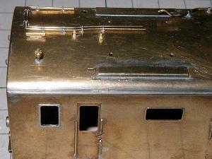 クモヤ145-100代、屋上手すり