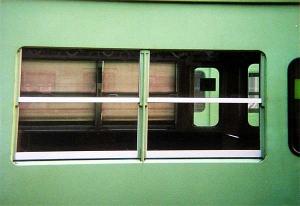 103系非ユニットサッシ車側窓