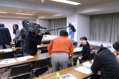 中京TVの取材を受ける出展者