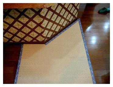 きすげの畳−カウンターの角、ここまでするか