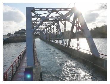 西川水道橋