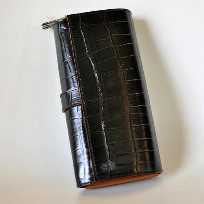 Felisi[フェリージ] クロコ型押ロングウォレットD.グリーン