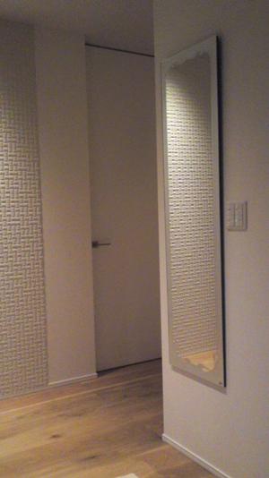 玄関ミラー画像300X534.jpg
