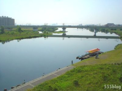 555nat ホロホロ日記 ロングテールバイク 多摩川の朝の景色 2014年5月