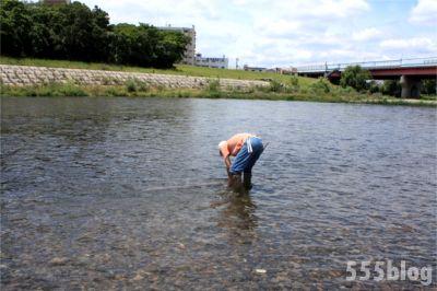 ホロホロ日記 555nat.com たまあじさいの会 リネンによる河川水放射線調査 2015.6.20 設置(6)