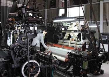 大きな織り機