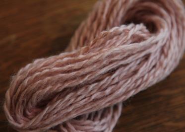 栗染めの毛糸