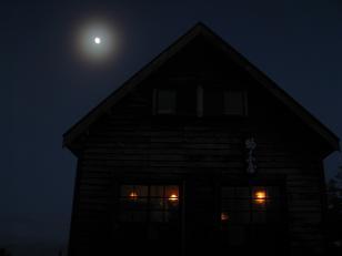 駒の小屋200614