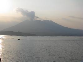 垂水市からの桜島210410