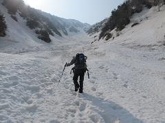 毛勝山への登高220504