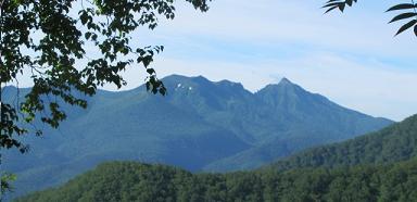 ニペソツ山遠望220716