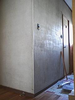 2階廊下タイル張りビフォー